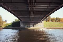 Under a bridge / Haccourt