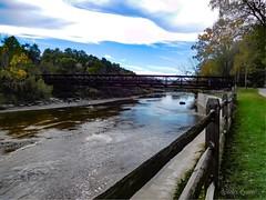 Chagrin River Park and bridge