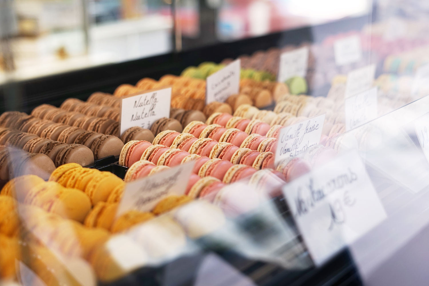05paris-french-macarons-travel