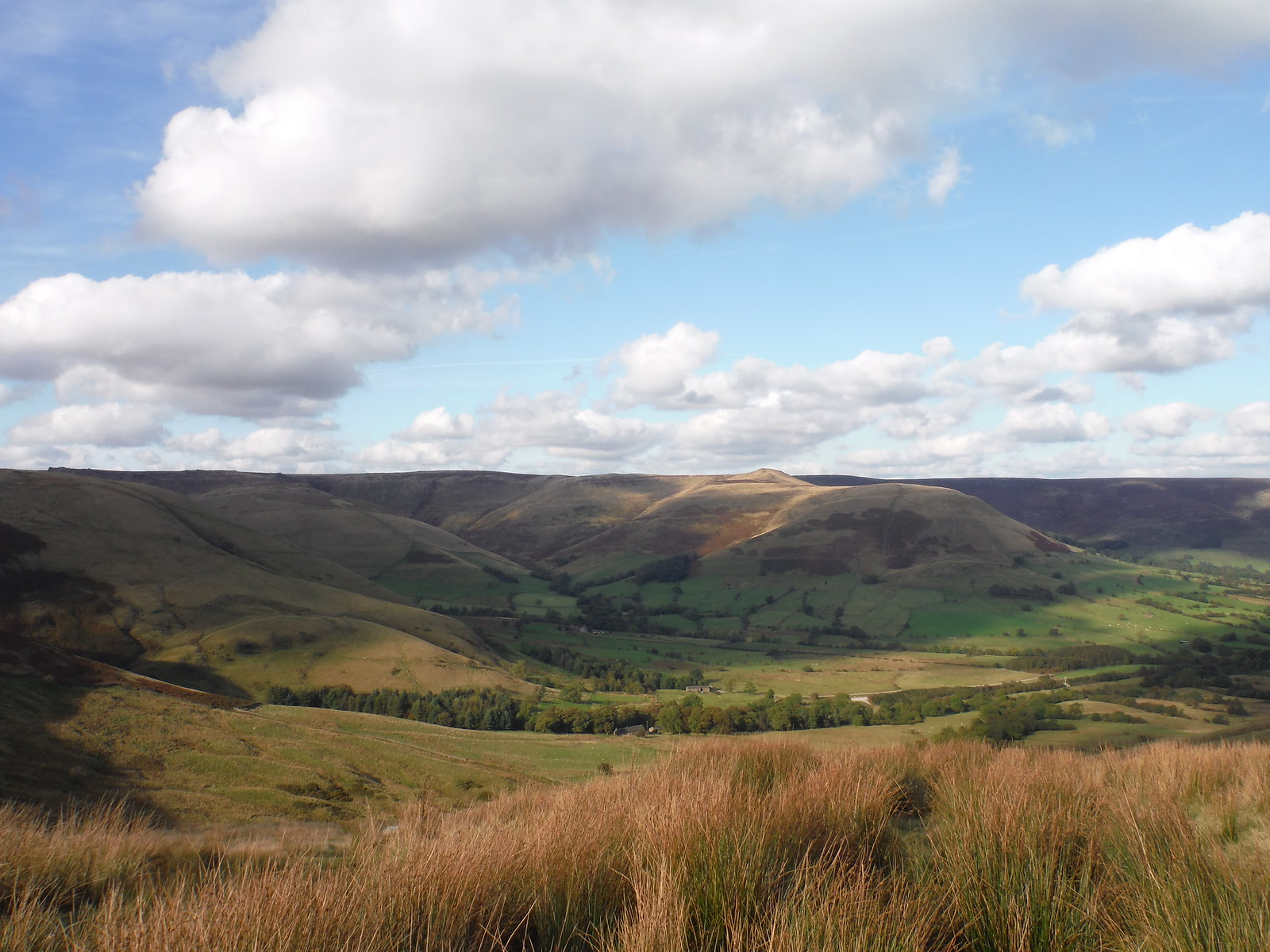 Crowden Clough and Grindslow Knoll, from Rushup Edge SWC Walk 302 - Bamford to Edale (via Win Hill and Great Ridge)