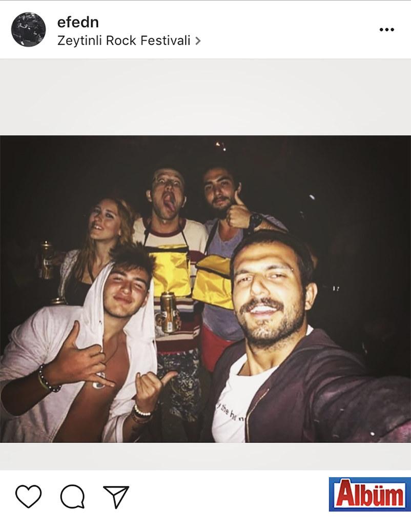 Efe Kaan Dursun, Zeytinli Rock Festivali'nden yaptığı bu paylaşımla beğeni topladı.