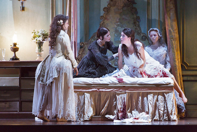 Lucia di Lammermoor © 2017 ROH. Photograph by Stephen Cummiskey