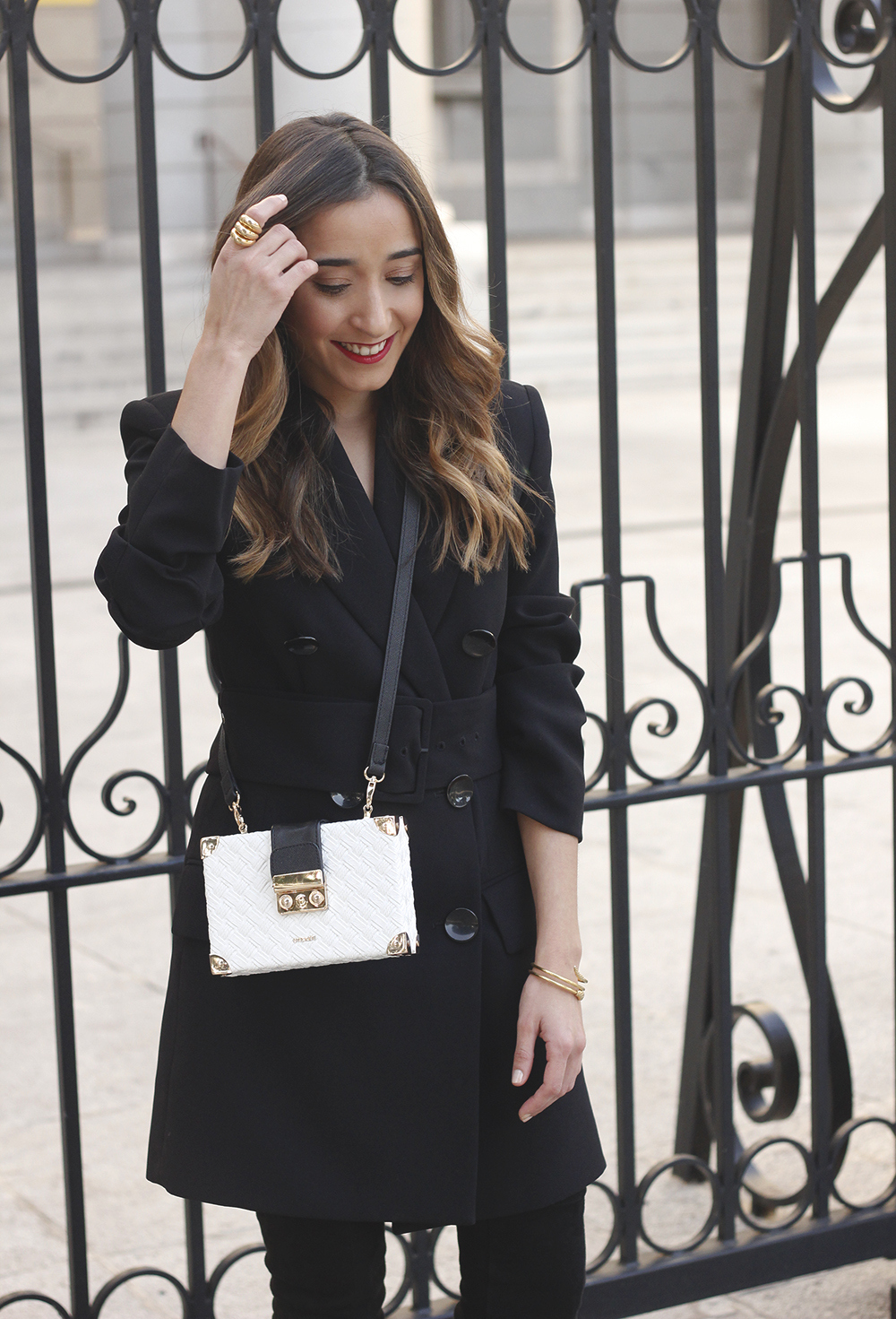 Black Blazer dress over the knee boots outfit uterqüe fashion style outfit autumn08