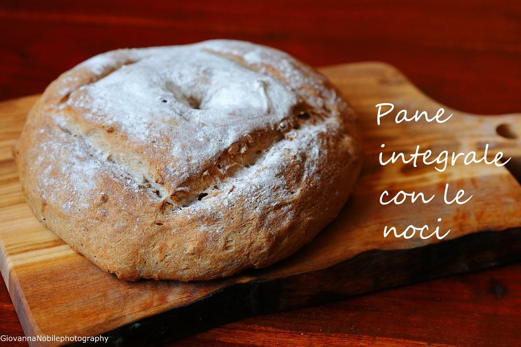 Pane integrale con le noci 1