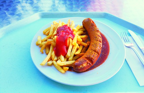 Currywurst & Pommes Frites