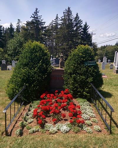 Grave of Lucy Maud Montgomery #pei #princeedwardisland #cavendish #cavendishcemetery #lmmontgomery #grave #latergram