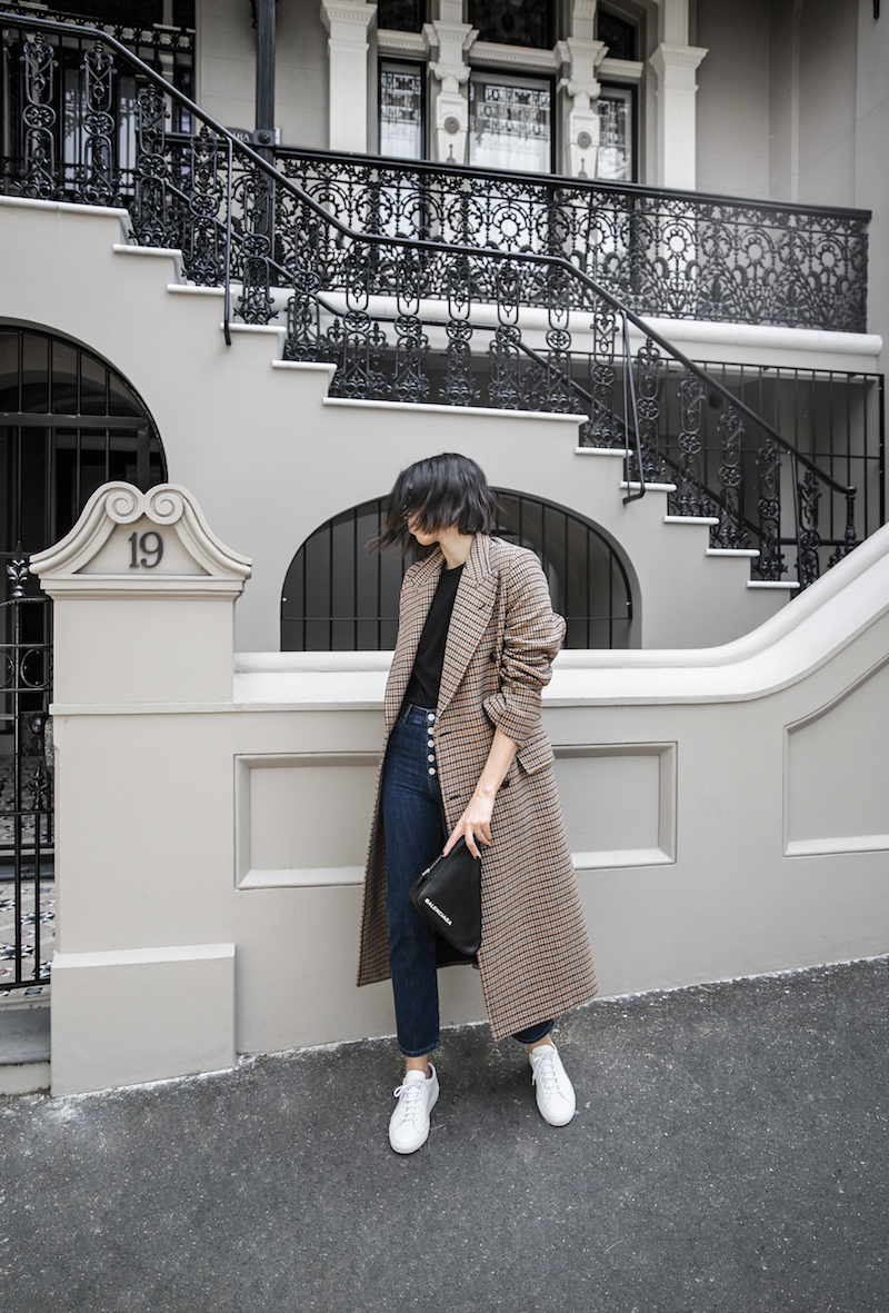 joseph houndstooth coat straight leg jeans tee minimal balenciaga triangle bag clutch street style fashion blogger outfit (7 of 7)