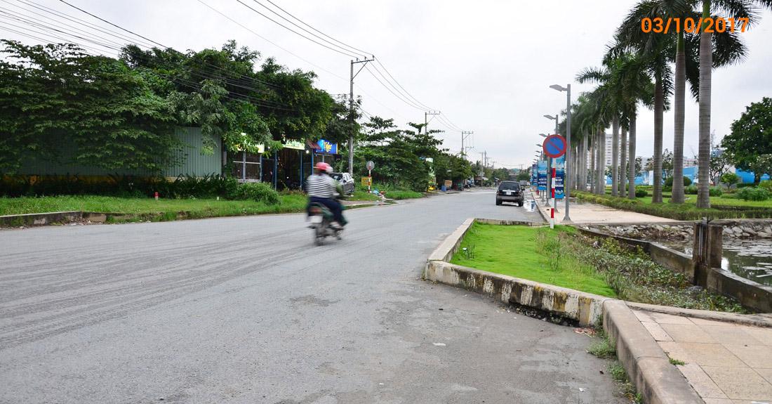 Đường Đào Trí, Phú Thuận, quận 7 ngày 3/10/2017.