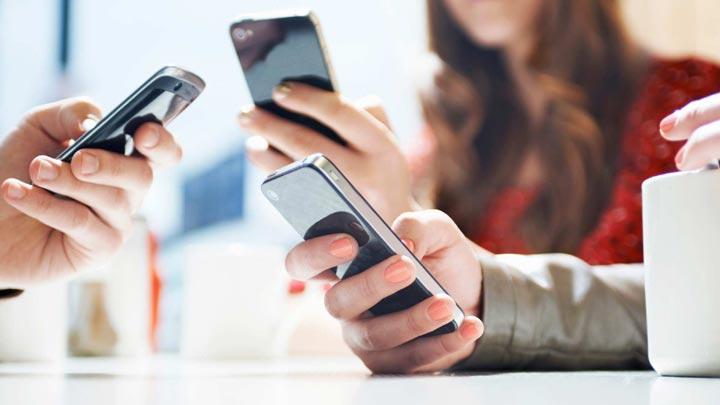 cellulari social famiglia