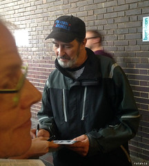 20150815_i5 Ciarán Hinds signing autographs by the stage door of Barbican Theatre, where he played Claudius in ''Hamlet'' | London, England