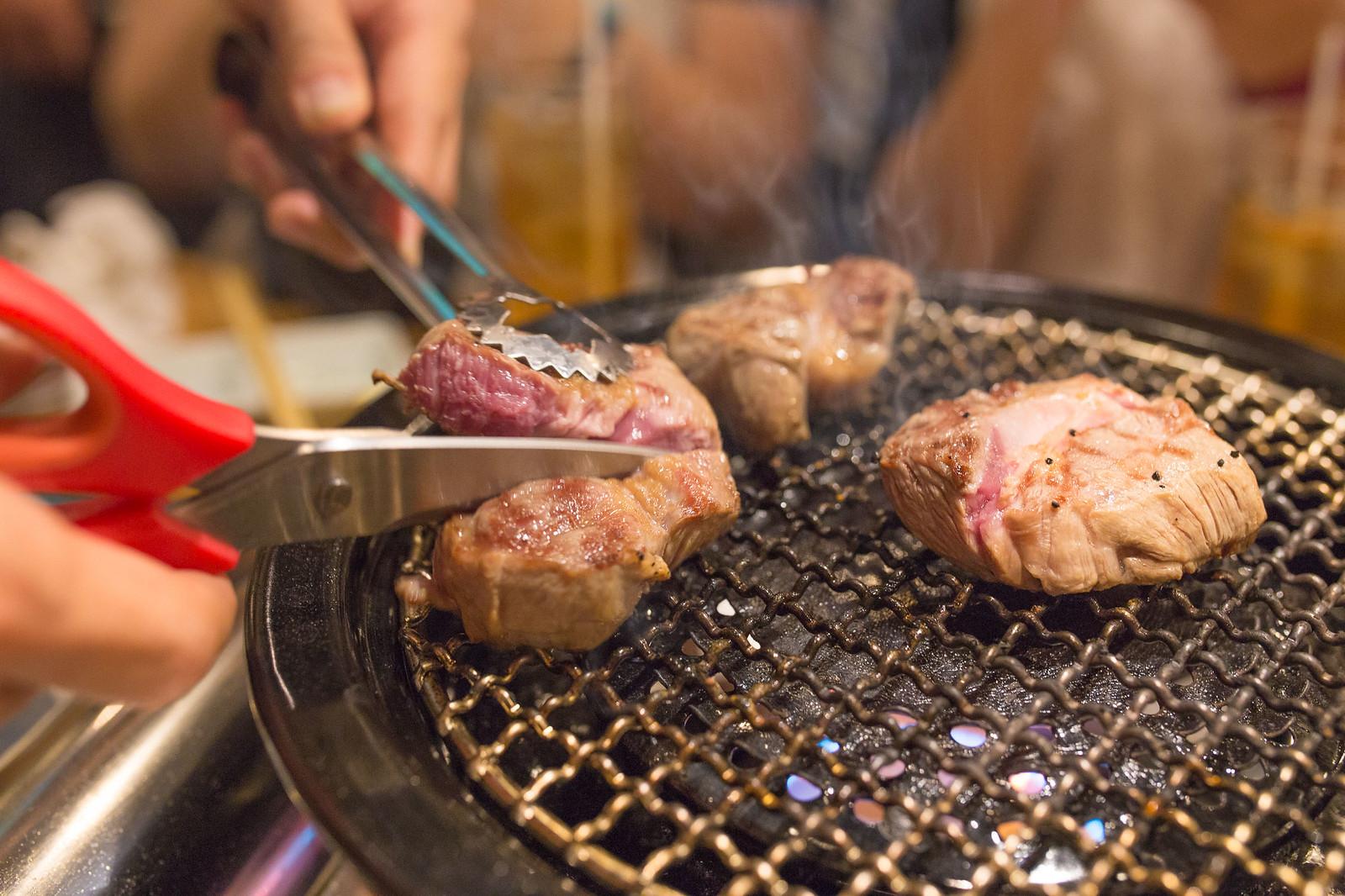 Shinjuku_meiten_yokocho-102
