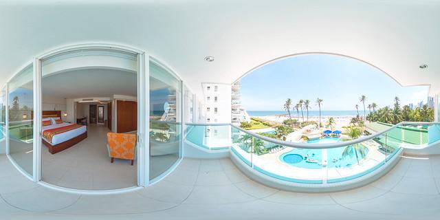 Balcón de la Habitación Superior King Vista al Mar - Hotel Dann (Cartagena, Colombia)