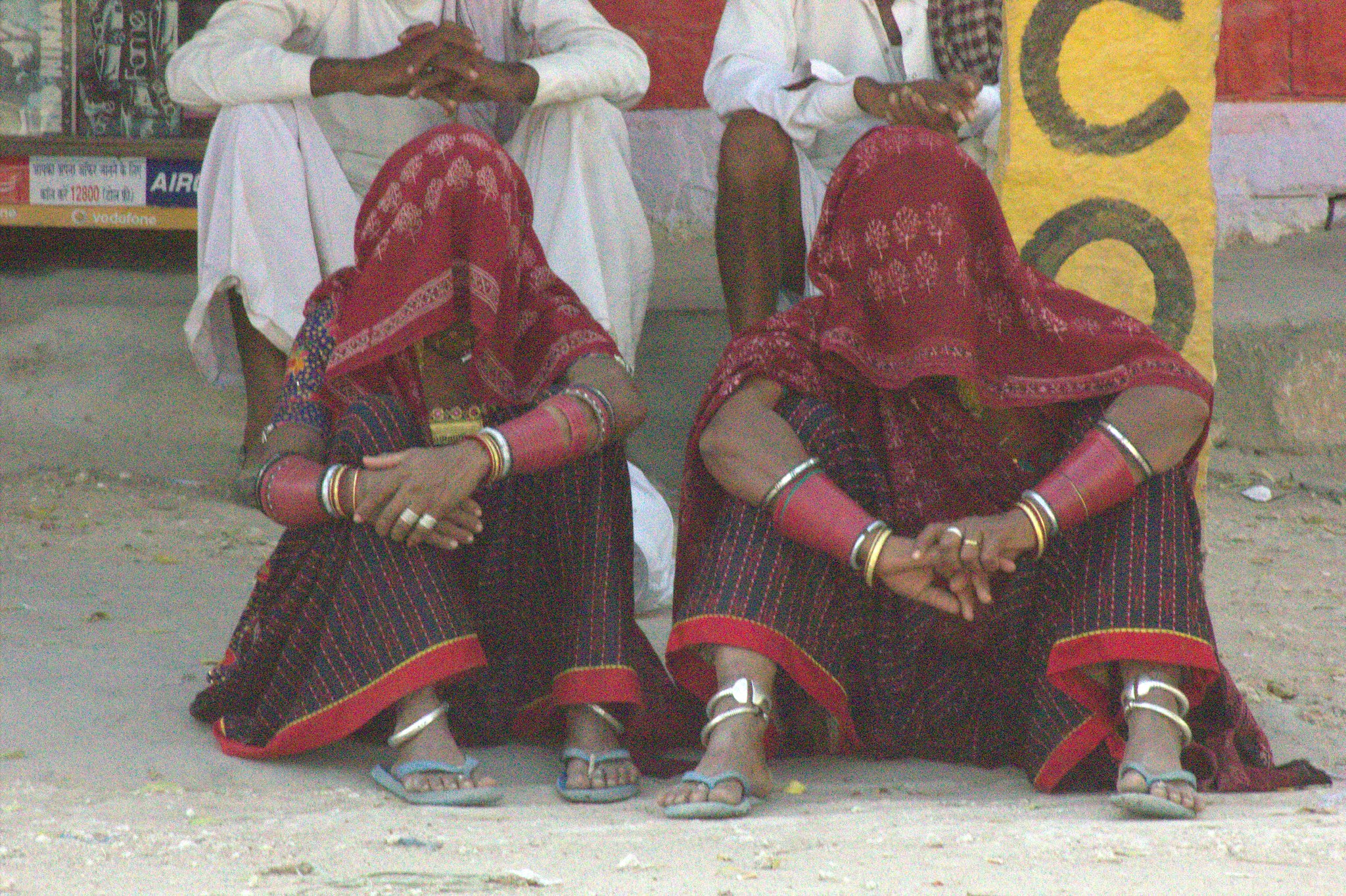 Women waiting for bus in Rajasthan