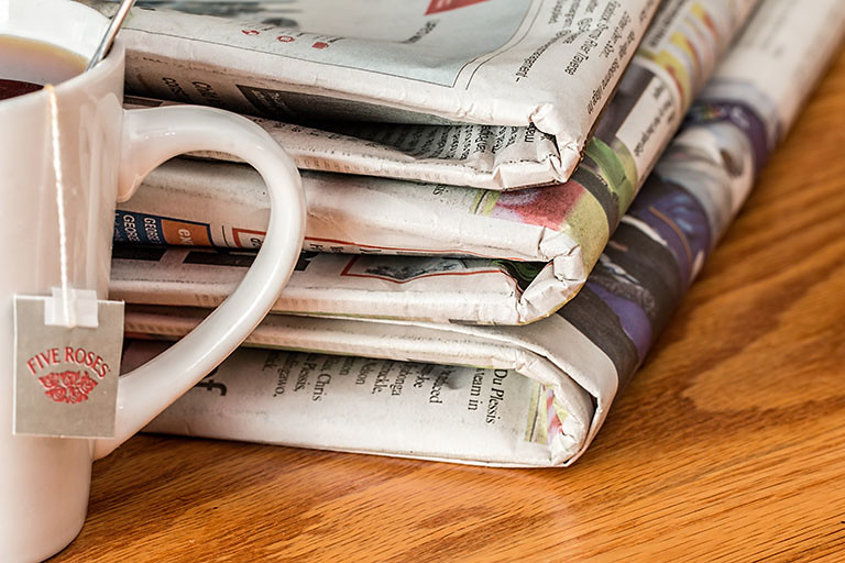一杯茶和一疊報紙,曾經是我們的生活享受