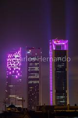 Las torres de Madrid se tiñen de rosa