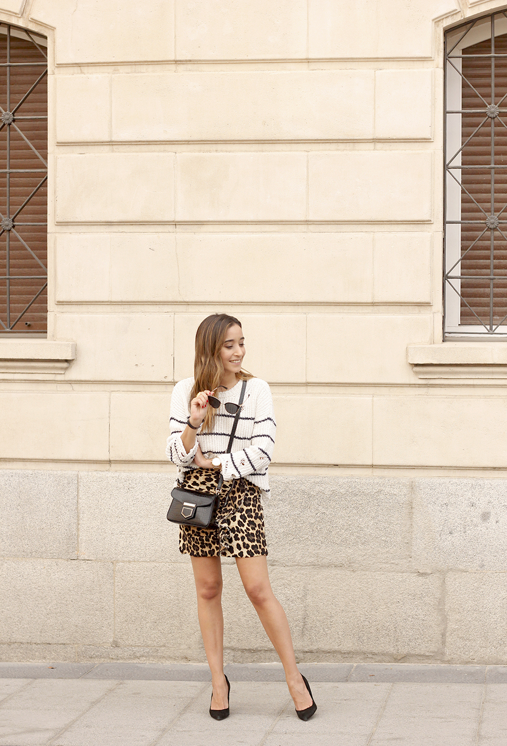 leopard printed skirt striped sweater givenchy bag outfit fashion style trend02
