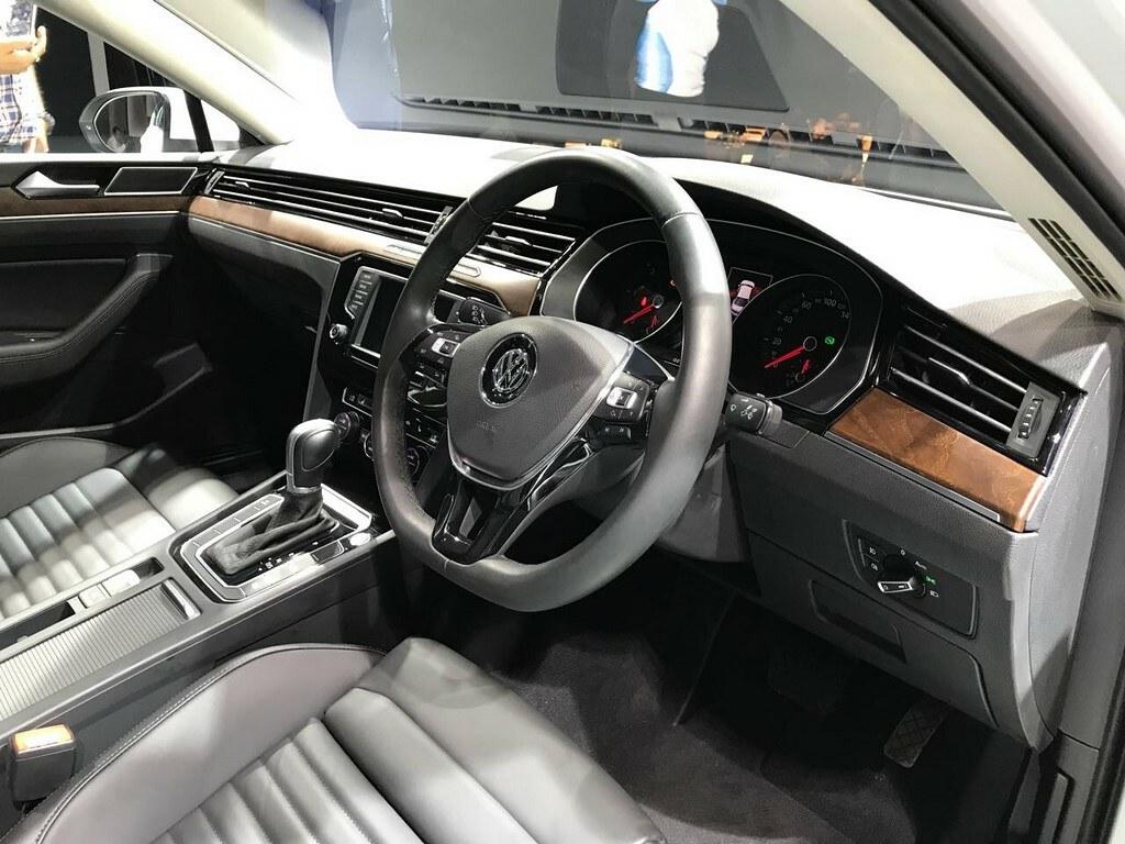 2017-Volkswagen-Passat-India-Launch (19)