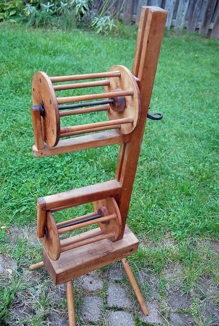 irieknit's antique Squirrel-cage swift yarn unwinder