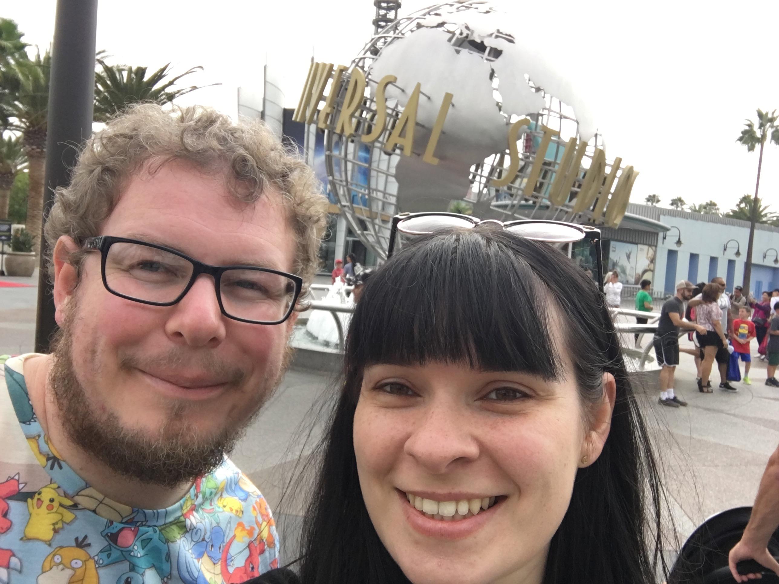 Universal Studios Hollywood - spinning sign