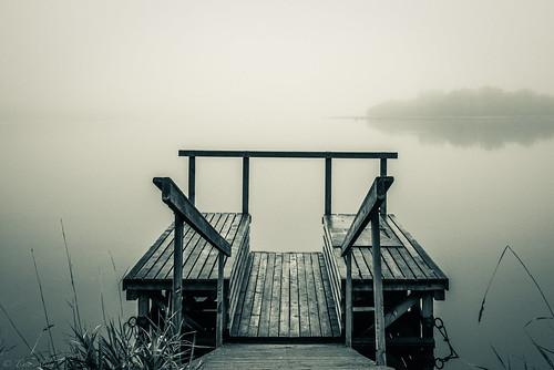 dock lapaluoto raahe finland sea bothnian bay autumn fall morning mist misty fog island water landscape calm calmness minolta 35105mm f3545