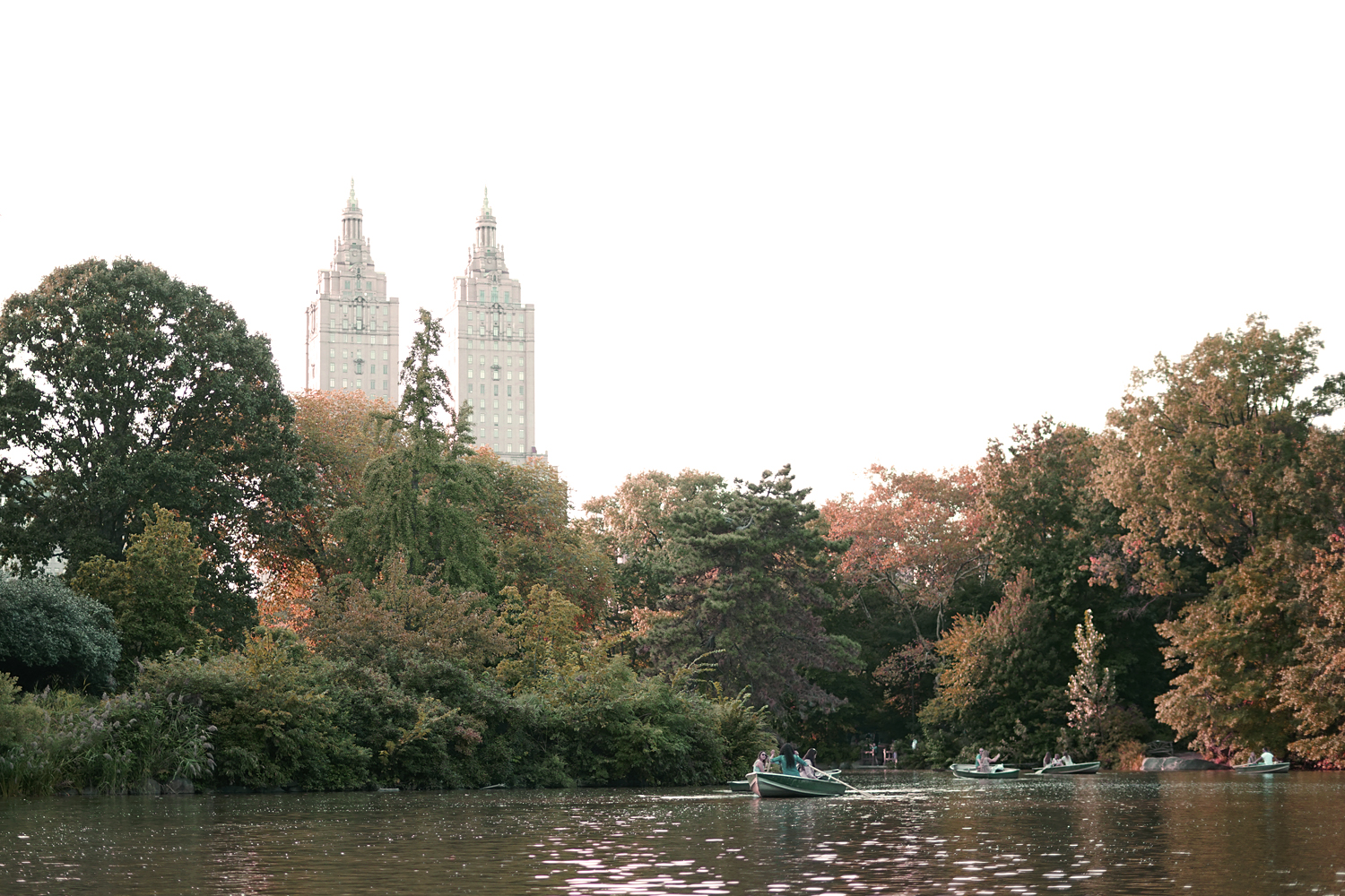 01centralpark-lake-boat-nyc-landscape-travel