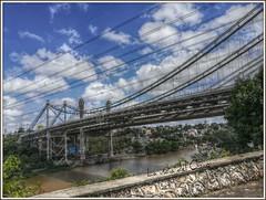 Nubes en el puente