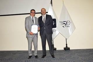 Más de 50 directores y coordinadores de diversos colegios de Lima participaron en la clausura de la edición 2017 del Programa de Gestión y Capacitación Continua que organiza USIL, el pasado martes 17 de octubre, en el Aula Magna del Campus Arq. Fernando Belaunde Terry de La Molina.