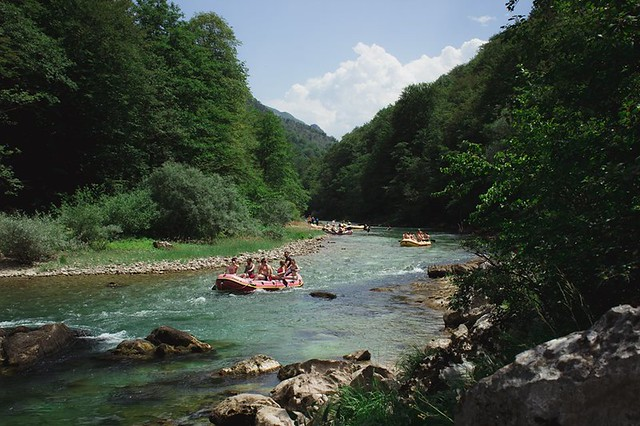 Neretva canyon rafting tour down