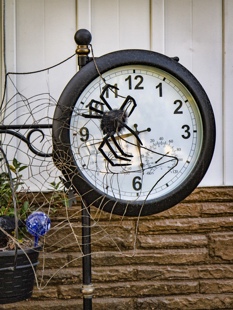 Halloween decoration clock