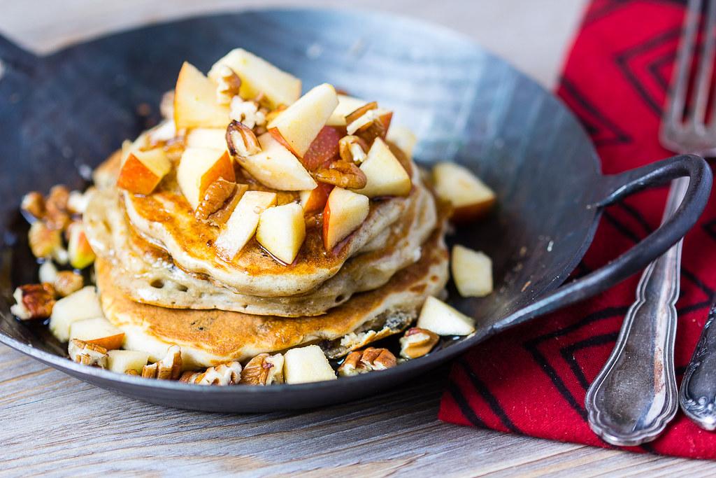 Pancakes mit Äpfeln via lunchforone