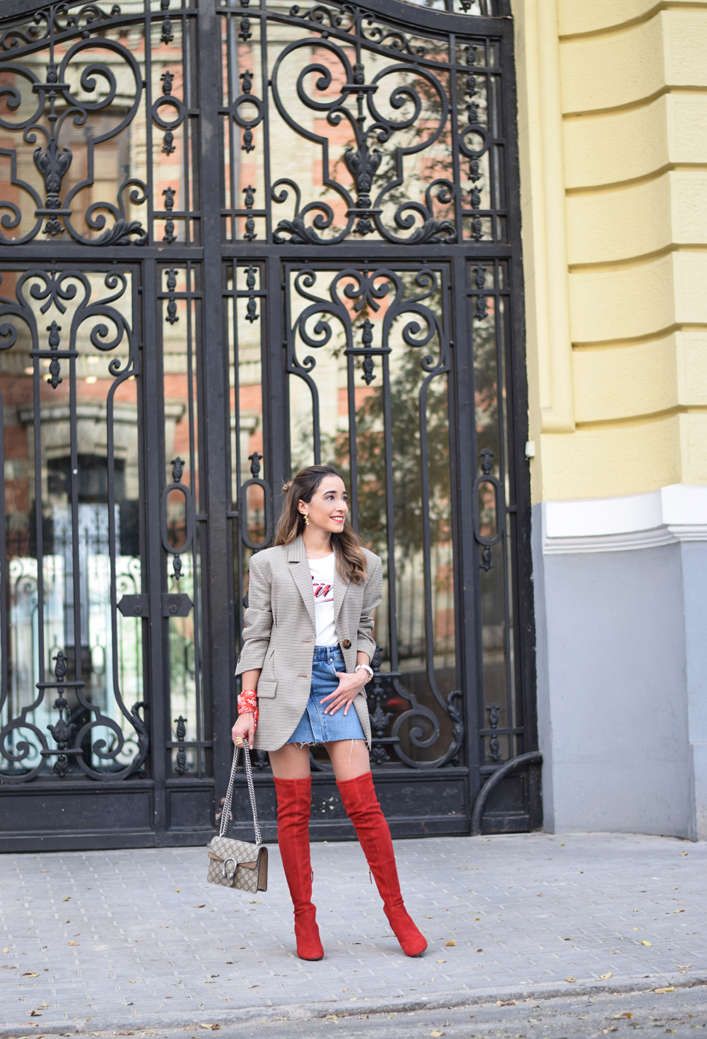 Houndstooth blazer denim skirt gucci bag red over the knee boots autumn outfit style fashion06