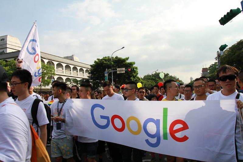 每年都帶領員工上街支持同志大遊行,Google企業給予員工舒適的思想彈性,唯有更開闊的心,才能更貼近、更理解人之所需。