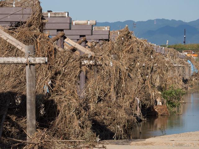 "broken Nagare-bashi (Koduya Bridge) - 流された""流れ橋"" (7)"