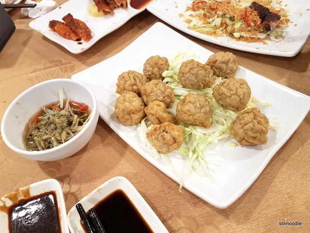 Deep Fried Fish Ball with Clam Sauce (蜆芥鯪魚球)