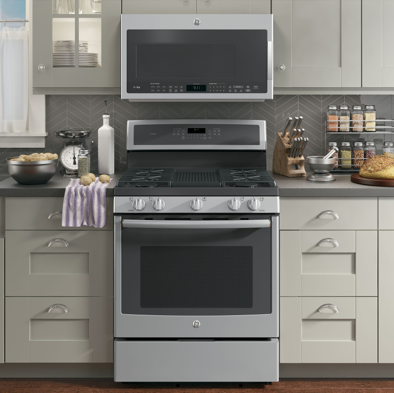 GE-kitchen-appliances-stove-microwave-1