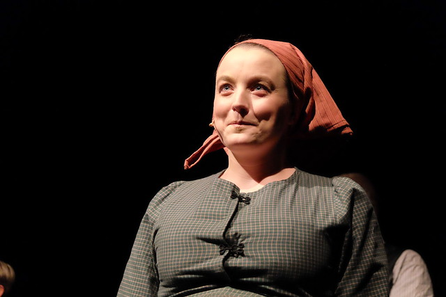 Sofia Gregersen som Kristina