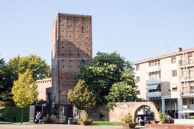 Una delle Torri del Castello Medievale
