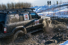 Off-road vehicle brand Toyota overcomes the track