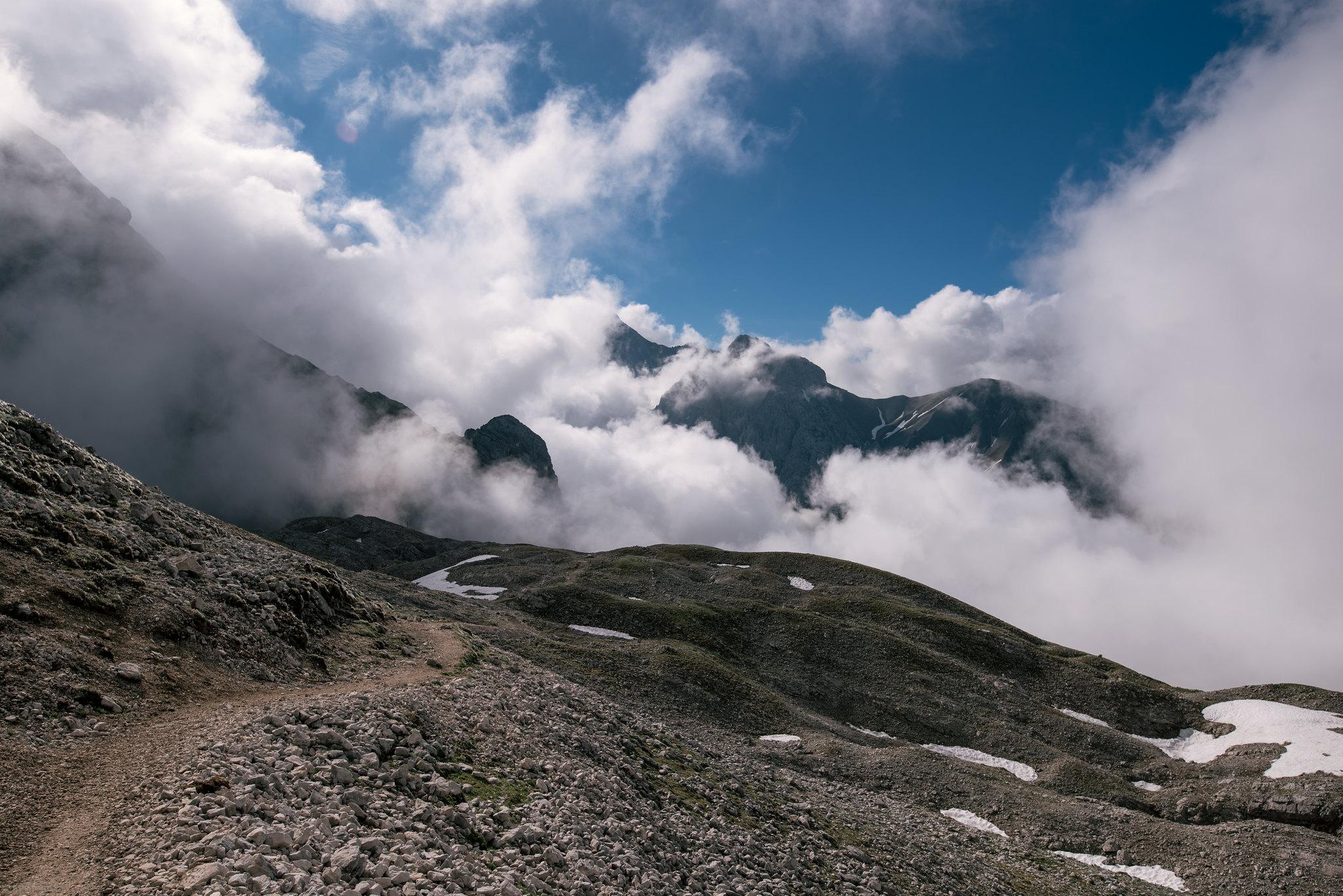 Hikingtrail to the sky