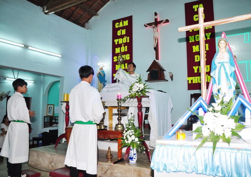 Chầu lượt và khánh nhật truyền giáo tại Giáo xứ Đại An