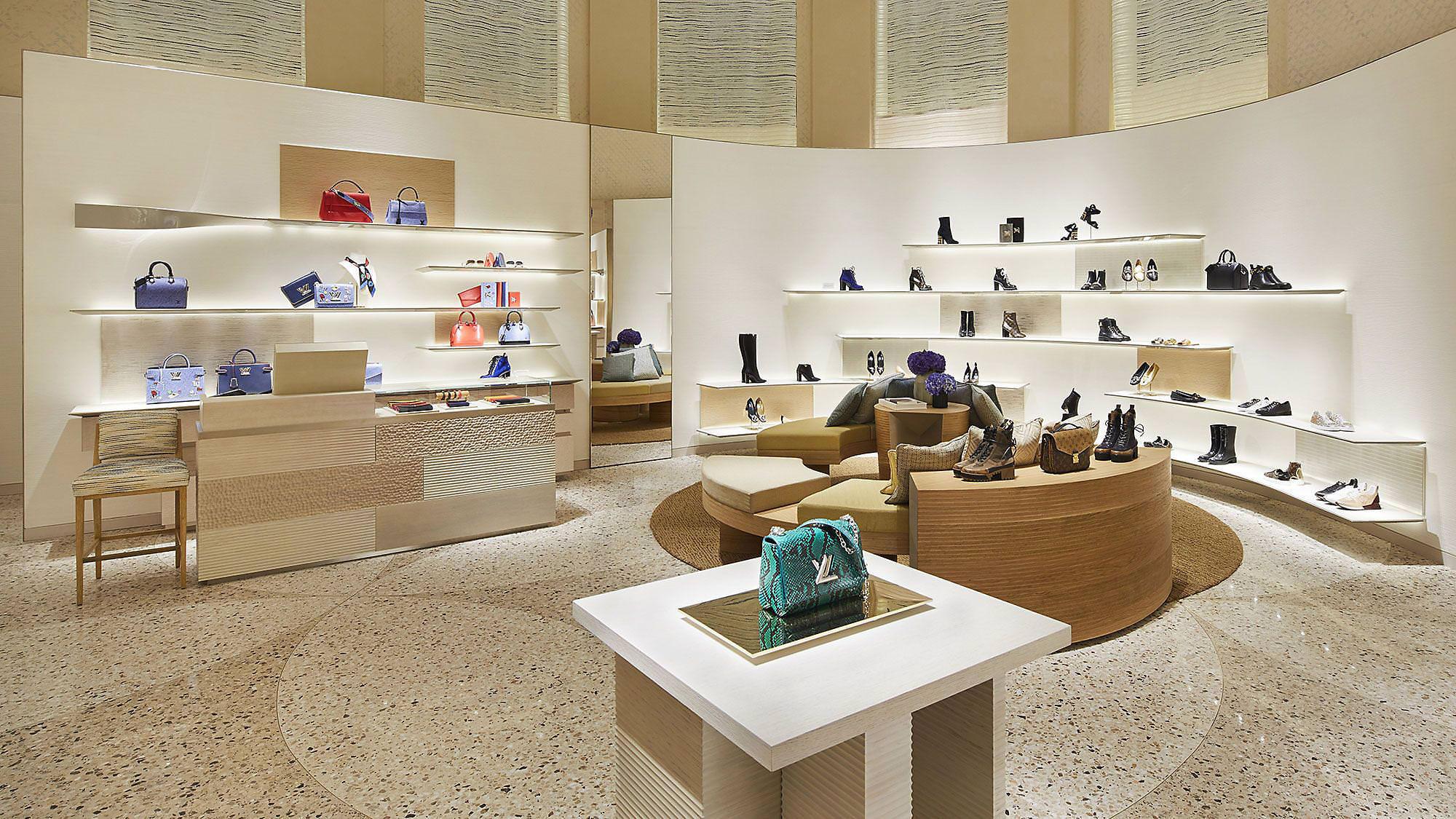 disegni attraenti numerosi in varietà preordinare La nuova boutique Louis Vuitton Roma Rinascente