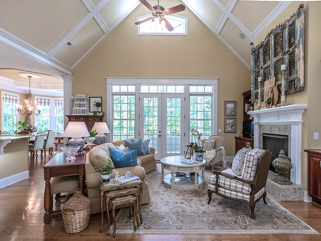 Great Room-Housepitality Designs