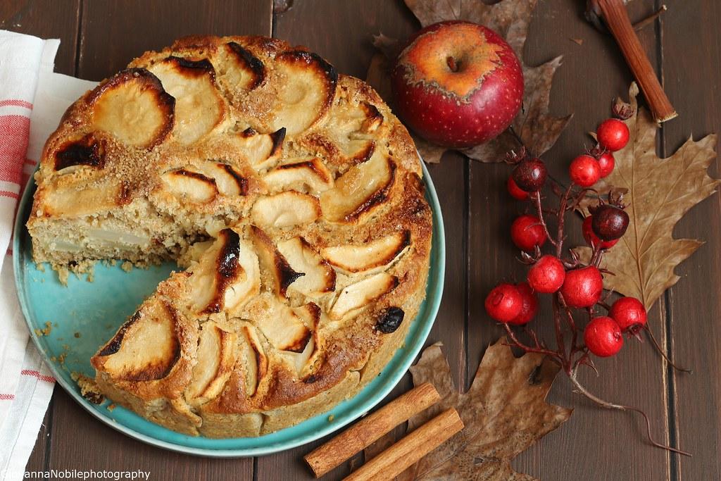 Torta integrale di mele con nocciole 4