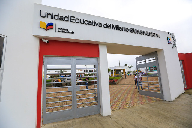Inauguración Unidad Educativa del Milenio Guasaganda - La Maná