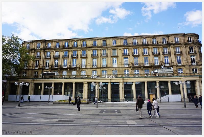 科隆大教堂-16-教堂前飯店