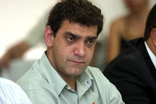Polícia faz busca na casa de filho de Lula em Paulínia (SP)