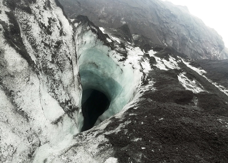 solheimajokull-crevasse