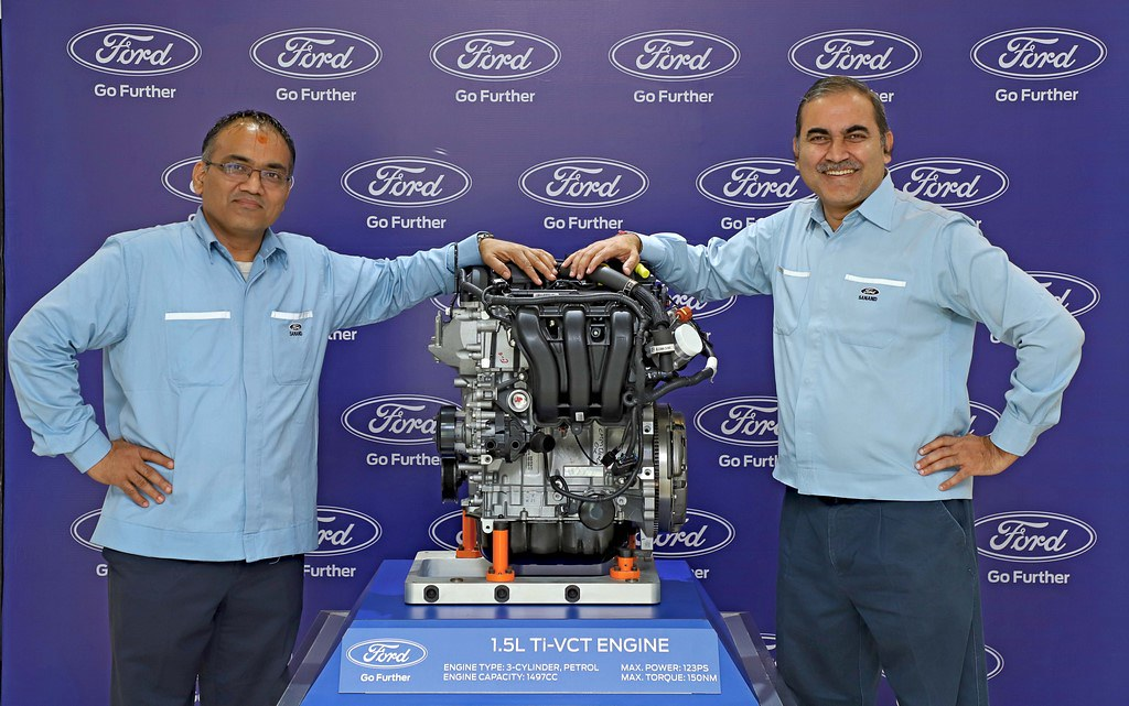 All-New Ford 1.5L TiVCT 3Cyl Engine Unveiled (L-R) Anil Patel, Ford Engine Plant Manager with Dhiraj Dixit - Ford Sanand Plant Manager
