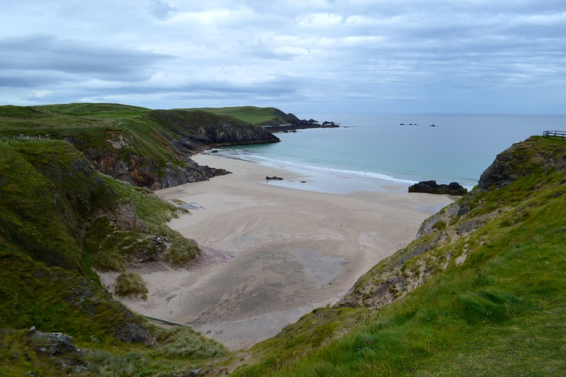 this is a picture of santo bay in scotland