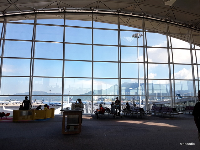 Hong Kong International Airport departure windows